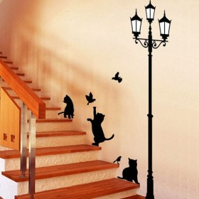 Cats Chase Birds under The Lamp